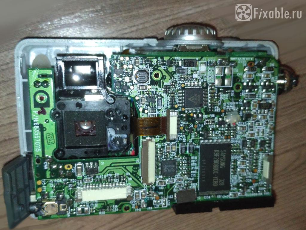Плата разобранного фотоаппарата RoverShot - убран дисплей и матрица