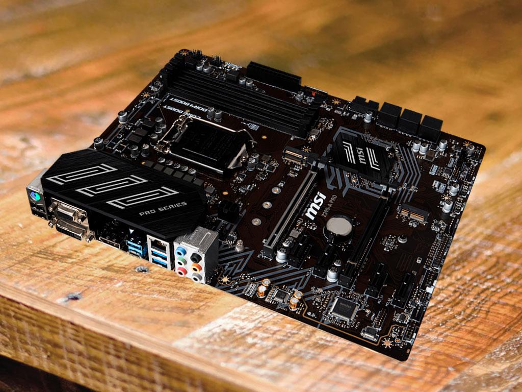 Плата MSI Z390-A Pro на столе крупным планом