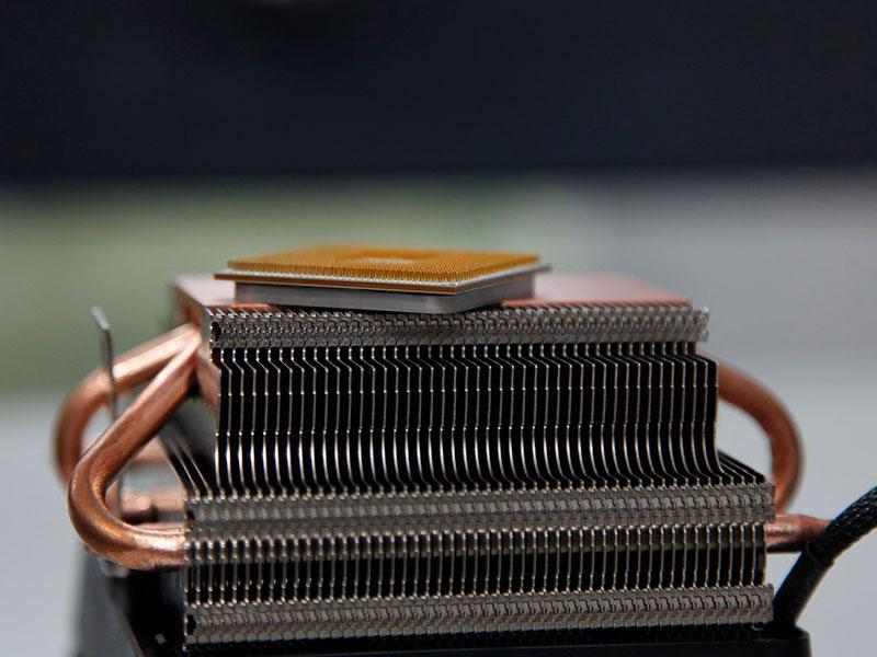 Процессор AMD и радиатор кулера